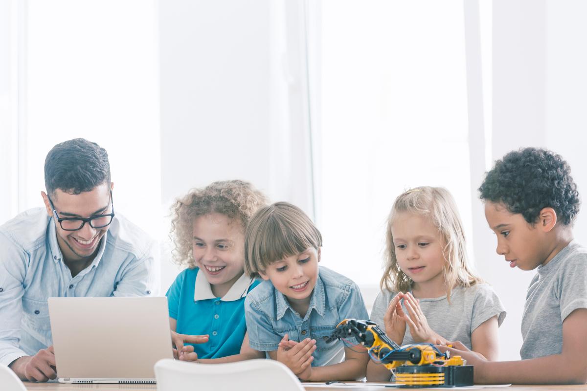 STEM diversity - children playing